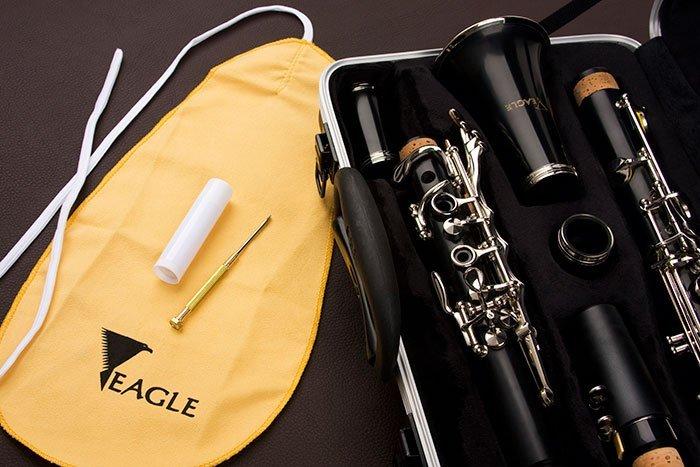 Clarineta em Sib 17 chaves